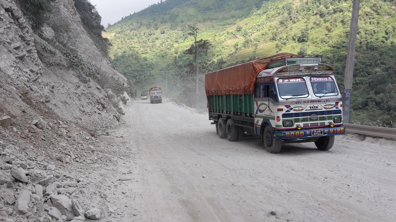 The rough road from Mugling to Narayangadh.