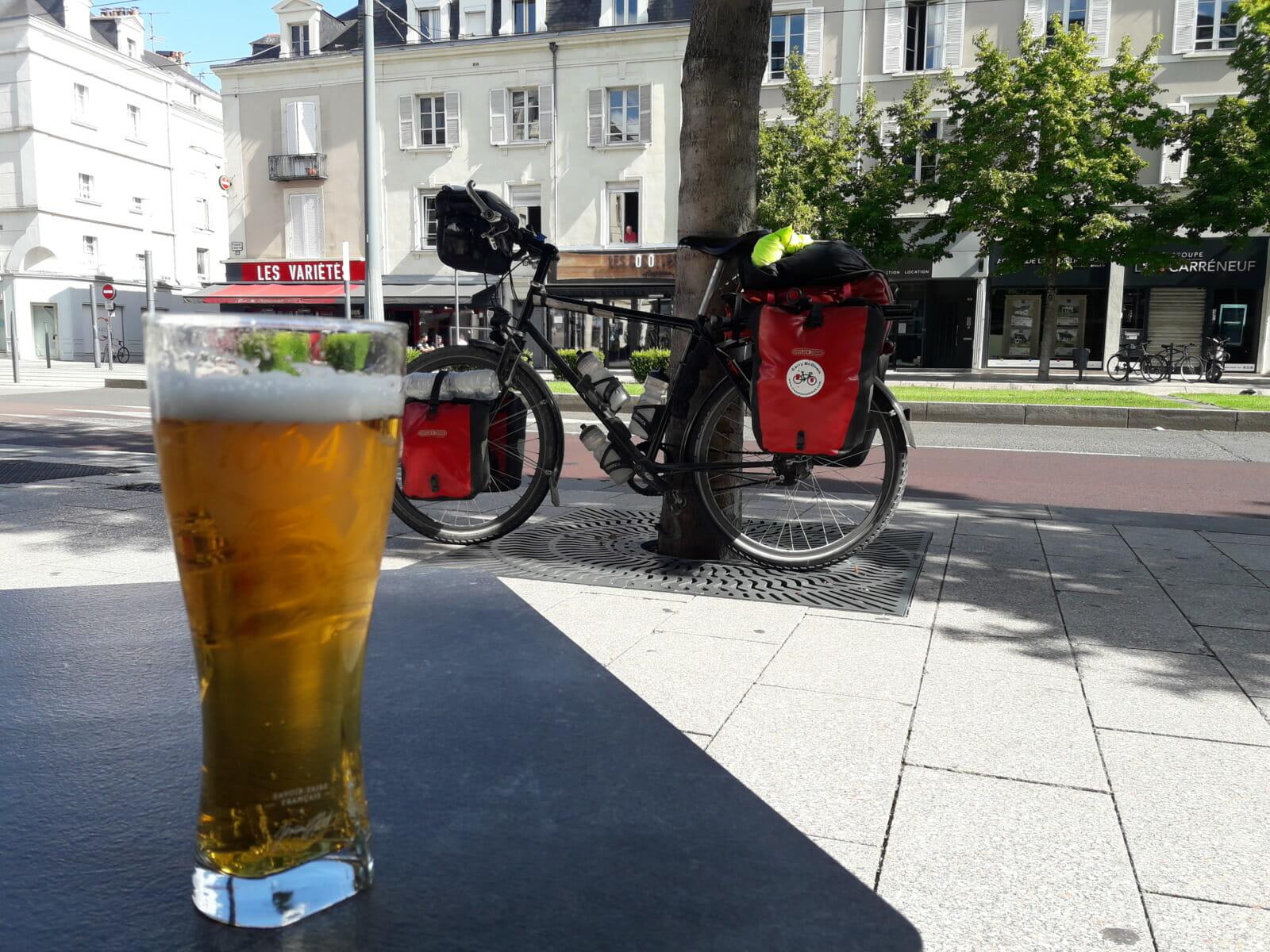 Pint of beer, bike